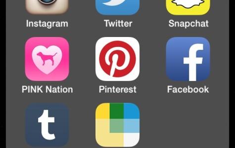Social media has many negative aspects