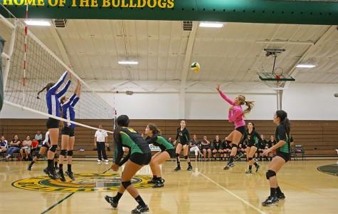Girls' volleyball team earns first league title since 2000