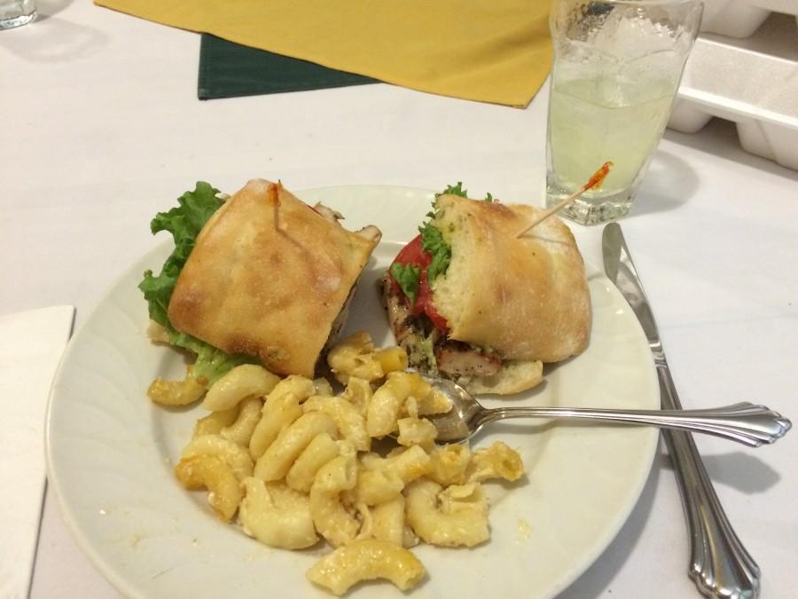 Pesto sandwich and macaroni entreé
