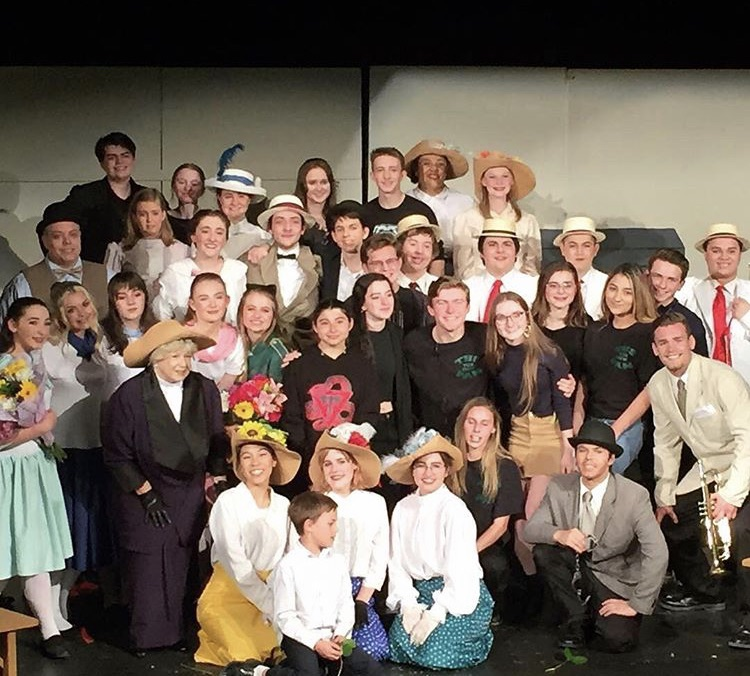 Cast And Crew of Tracy High's last musical,